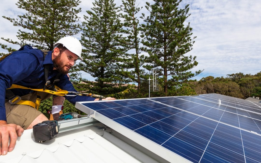 What You Need to Know About Solar Panels and How It Affects Your Roof Repairs