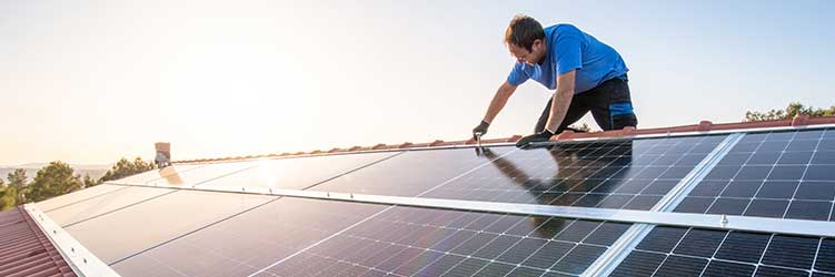 How to repair a roof with solar panels